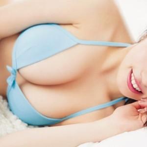 """MIYU 18歳のEカップ美巨乳""""みゆパイ""""再び!末っ子だけど大きなおっぱいのビキニグラビア画像。「Cry again」YouTube動画あり"""