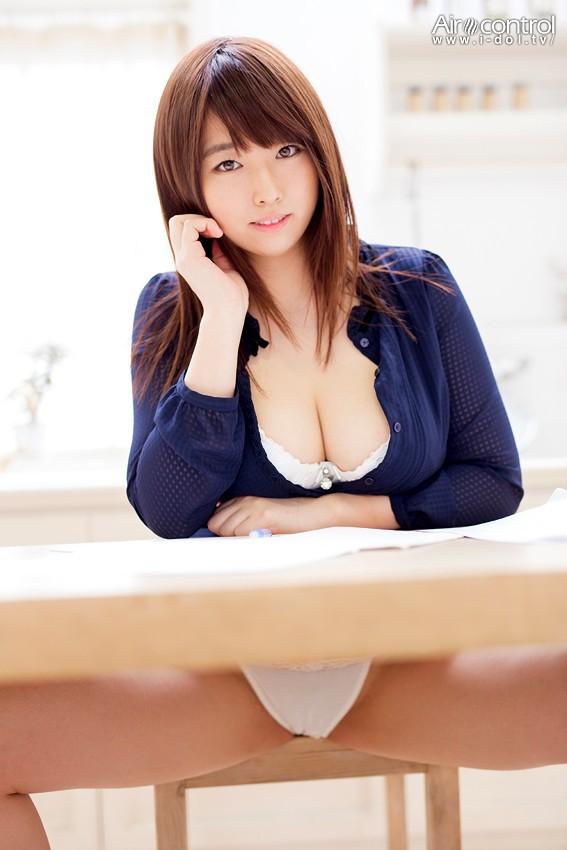 松本菜奈実  『裸神』