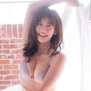 小倉優香 裏垢蹴散らし、2017年一番見られたGカップおっぱい!